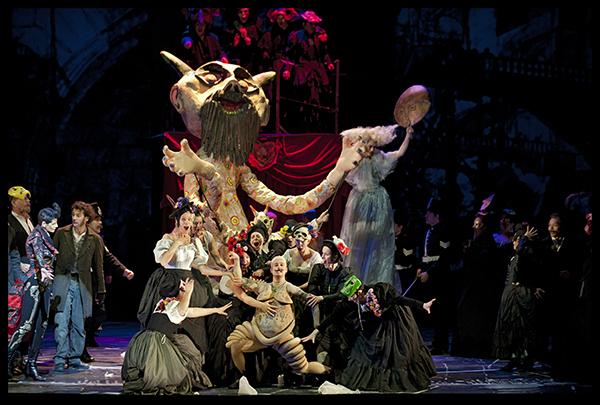 Koor van De Nationale Opera en acteurs