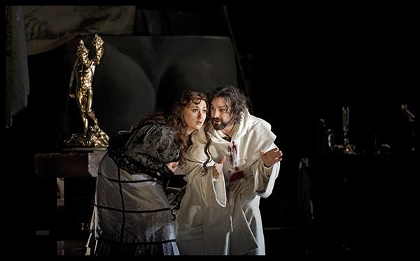 Mariangela Sicilia (Teresa) en John Osborn (Benvenuto Cellini)