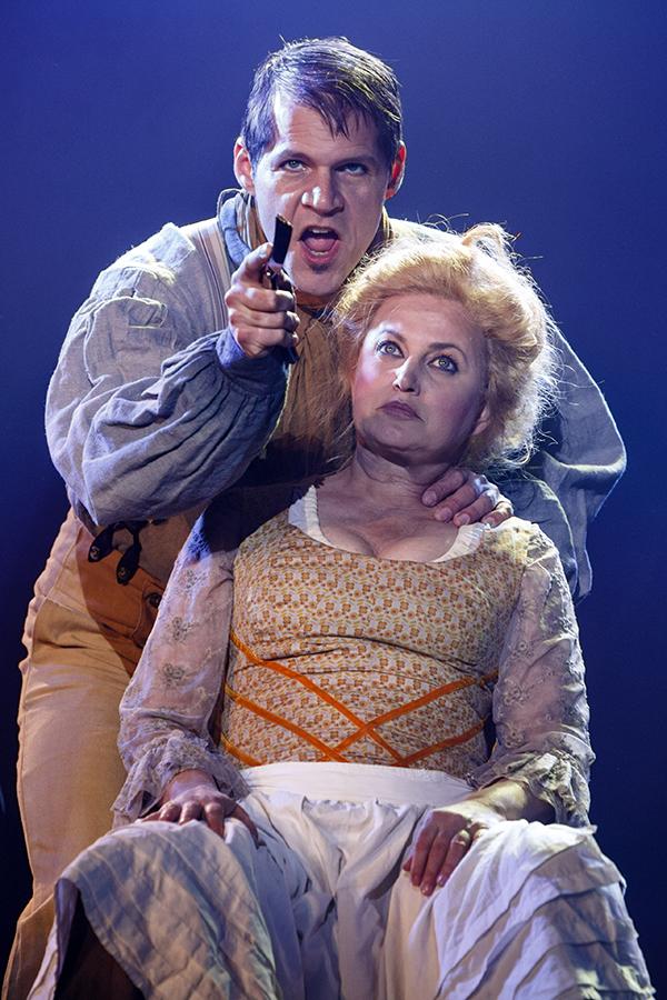 René van Kooten (Sweeney Todd) en Vera Mann (mevrouw Lovett)